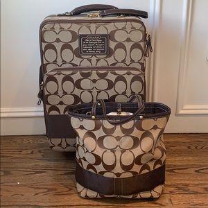 Coach luggage set